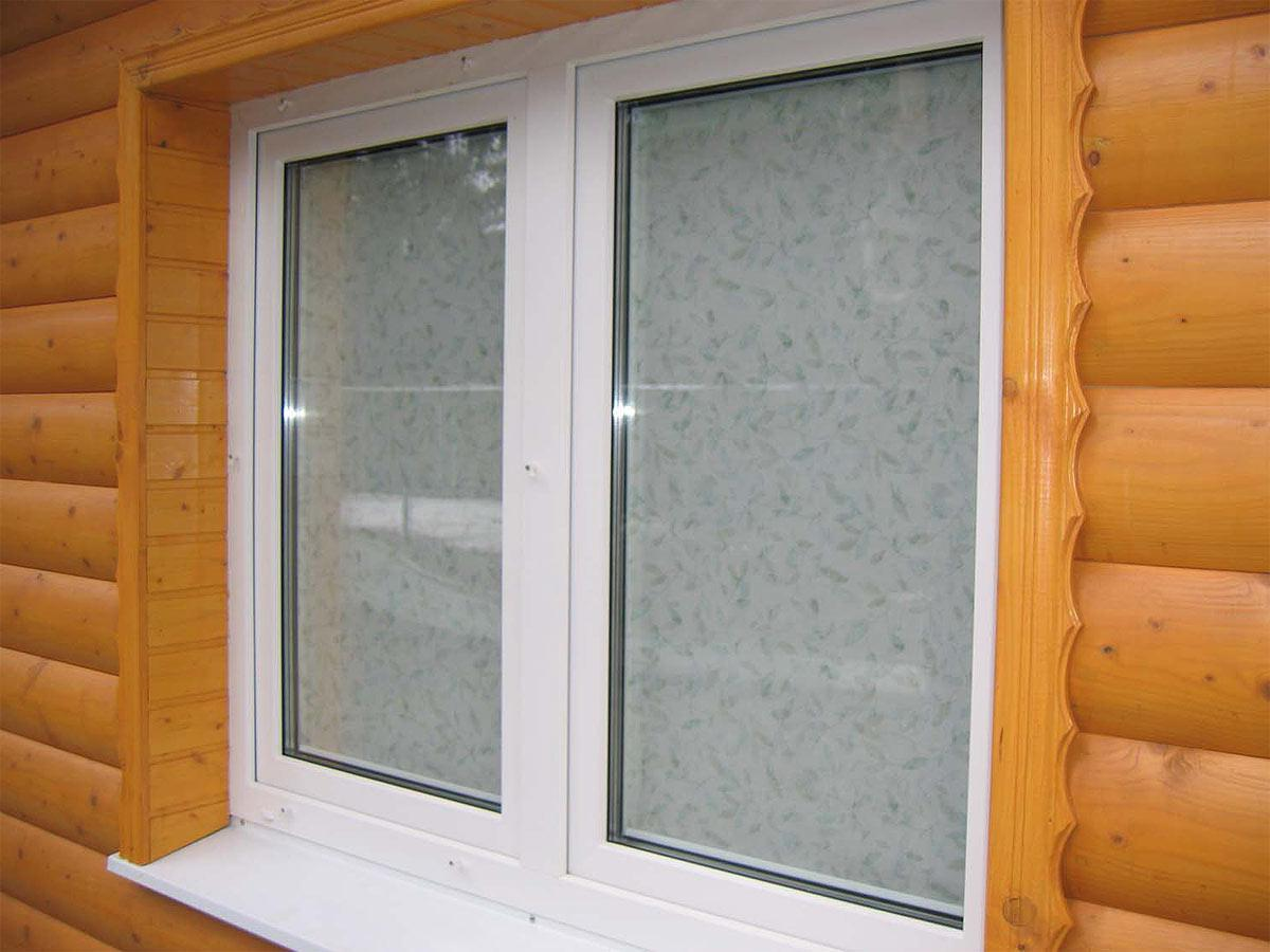 Установить пластиковое окно в деревянном доме своими руками